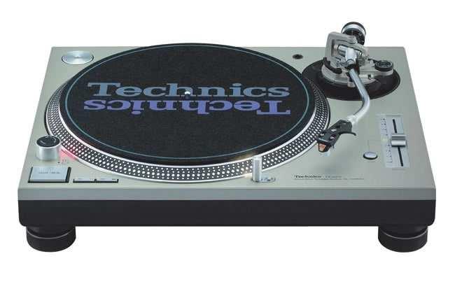 Купить проигрыватель виниловых пластинок (вертушку) Technics SL1200 MK5