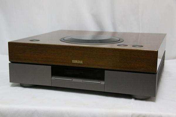 Проигрыватель CD дисков Yamaha