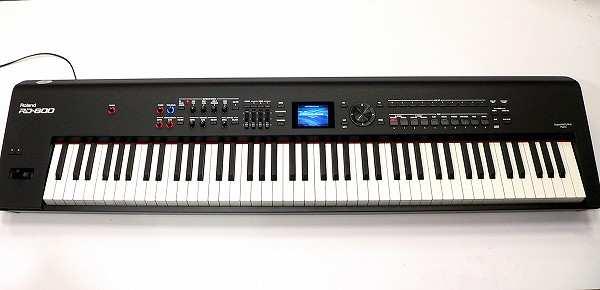 Пианино Roland